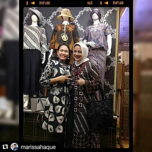 #Repost @marissahaque with @repostapp 🌎🌍 Untuk turis mancanegara? Dimulai dari batik dong ya? Thamrin City pilihan teman-teman Profesor Thailand-ku... Barangnya lucu-lucu dengan harga menarik serta terjangkau, mereka puas belan