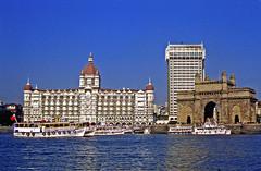 Bombay (laurent KB) Tags: bombay mumbai laportedelinde argentique 1983