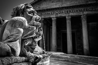 Pantheon and Fountain BW