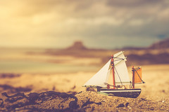 Goodbye Summer (Ro Cafe) Tags: miniature ship beach sand sky seacape stilllife summer nikkor2470f28 nikond600