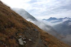 petite balade au Col du Grand St-Bernard (bulbocode909) Tags: valais suisse coldugrandstbernard italie frontières montagnes nature automne brume sentiers