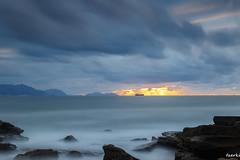 Azkorri-020-2 (fadercini) Tags: azkorri mar atardecer nubes playa puestadesol rocas sol