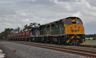 C509 C506 and C504 load the first SSR grain train from Dimboola grain flow