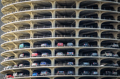Marina Parking (roevin | Urban Capture) Tags: marina chicago unitedstatesofamerica building car parking stack stacked floor layer layers open architecture harmony residential apartment complex urban city fullyfilled construction two towers