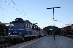PKP IC EP07-1058 , Wrocław Główny train station 12.08.2017 (szogun000) Tags: wrocław poland polska railroad railway rail pkp station wrocławgłówny engine locomotive lokomotywa локомотив lokomotive locomotiva locomotora electric elektrowóz ep07 ep071058 pkpic pkpintercity train pociąg поезд treno tren trem passenger tlk 56170 sudety d29132 d29271 d29273 d29276 d29285 d29763 e30 e59 dolnośląskie dolnyśląsk lowersilesia canon canoneos550d canonefs18135mmf3556is