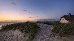 das Haus in den Dünen (Marcus Rahm) Tags: beach house summer sunset summertime sundown ostsee ahrenshoop mecklenburgvorpommern balticsea outdoor nature natur naturallight