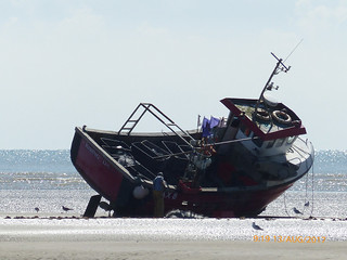Grounded fishing boat 1