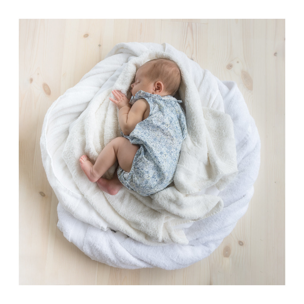 The nap andreas larzon photography tags baby byske midday naturallight newborn nikond7200 ortoneffect