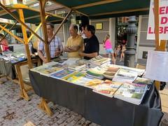 """Nuestra participación en la Fantafulosa Feria del Libro (26.8.2017) Foto, Pandiello • <a style=""""font-size:0.8em;"""" href=""""http://www.flickr.com/photos/85451274@N03/36787885082/"""" target=""""_blank"""">View on Flickr</a>"""