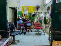 Chez le coiffeur (Dotzap) Tags: coiffeur bangkok street woman femme tv télévision watch seat siege hairdresser inside interieur thai hailand thailande