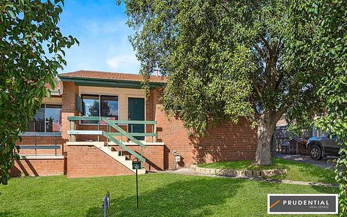 4 Orlando St, Rosemeadow NSW 2560