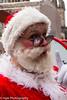 Edinburgh Festival Fringe 2017_Father Christmas Comes Up Trumps (Mick PK) Tags: edinburgh edinburghfestivalfringe2017 edinburghfringe fatherchristmascomesuptrumps fringe fringe2017 highstreet nicholasallan oldtown places royalmile scotland streetperformer streetphotography streettheatre talegatetheatre uk