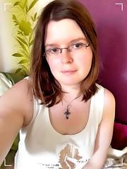 Hello again (Bernsteindrache7) Tags: summer color selfie handy house home human indoor airport