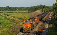 BNSF 7353, CSX Garrett Subdivision, Albion, Indiana (monon738) Tags: train railroad railway railfanning locomotive diesellocomotive engine indiana noblecounty pentax k3 csxgarrettsubdivision bnsf7353 bnsf bnsfrailway burlingtonnorthernsantafe ge gees44dc es44dc tankertrain unit gevo smcpda50135mmf28edifsdm