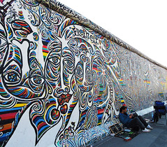 Berliner Mauer (saraconve) Tags: berlin wall berlinwall berlinermauer berliner mauer germany deutschland travel travelling history colors color colorful murodiberlino berlino germania graffiti art graffitiart street