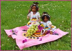 Süße Minis ... (Kindergartenkinder) Tags: sommer blumen personen kindergartenkinder garten blume park annette himstedt dolls wasserschlosslembeck leleti