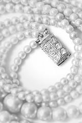 Diamonds and pearls (Barrie T) Tags: smileonsaturday objectsofsentimentalvale highkey macro