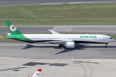 EVA Air Boeing 777-300ER B-16738 (c/n 42105) (Manfred Saitz) Tags: vienna airport schwechat vie loww flughafen wien eva air boeing 777300 773 b773 b16738 breg