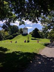 Monopteros (Rob Hall -) Tags: englishgarden munich germany sunshine sunny park monument green grass hill tree recreation shadows leaves