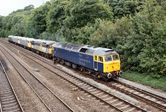 47812 leads 56301, 56081,56104 & 47848 pass Tapton Footbridge on 0M59 1245 Barrow Hill L.I.P. to Leicester L.I.P. (Ixion172) Tags: gbrailways ukrailways chesterfield brushtraction brushtype4 railoperationsgroup class47 class56 47812 56301 56081 56104 47848 railoperationsgrouplivery