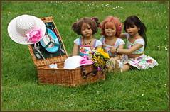 Kindergartenkinder ... (Kindergartenkinder) Tags: sommer blumen personen kindergartenkinder garten blume park annette himstedt dolls sanrike milina wasserschlosslembeck setina