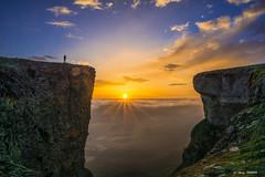 SER (Jabi Artaraz) Tags: ser ojos inmensidad grandeza universo valía belleza interior yo hermosura vivir beriain sandonato montaña navarra mendia nafarroa euskalmendia