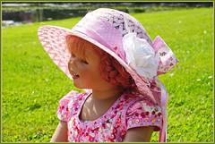 Sanrike ... unser Glückskind ... (Kindergartenkinder) Tags: schlossanholt dolls himstedt annette park kindergartenkinder sommer wasserburg personen isselburg garten porträt sanrike