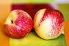 Una mela o una pesca? una Marandella o una Merendella? (kiareimages1) Tags: merendelle marandelle calabria frutti costajonica catanzaro estate mediterraneo macro macrophoto immagini images colori couleurs colors
