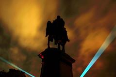 Herzog Ernst II. (underexposed), Coburg (Marian Si) Tags: europe germany deutschland bavaria bayern franconiafrankenoberfranken coburg herzogernstii statue pickelhaube laser night minoltamd