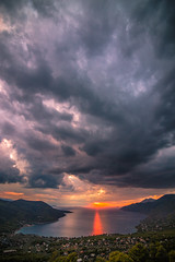 A magical autumn sunset (Vagelis Pikoulas) Tags: sun sunset porto germeno greece autumn sea seascape sky september 2017 canon 6d tokina 1628mm landscape view europe clouds cloudy cloud dramatic vertical nature beautiful