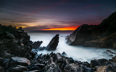 Megatron II  [ explore 27|09|2017 ] (marcolemos71) Tags: seascape sea water waves atlanticocean portuguesecoast hightide stones rocks sky clouds sunset dusk abano cascais longexposure leefilters marcolemos
