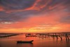 七股觀海樓的夕色(Sunset @ Cigu lagoon)。 (Charlie 李) Tags: 2470mm 5d3 canon 內海 潟湖 蚵田 夕色 台灣 台南市 七股 sea oysterfield clouds taiwan tainancity cigu sunset