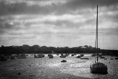 Eclaircie (martine_ferron) Tags: portsall éclaircie nuage port bateau mer ciel bretagne finistère