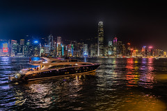 Coastline Cruising - Hongkong 42/188 (*Capture the Moment* (back 4 September)) Tags: 1ifc 2017 2ifc bankofchina fahrzeugeverkehr hsbc hongkong hongkongandshanghaibankingcorporation nacht nachtaufnahmen night nightshot panoshot panorama panoramaview panoramablick schiffe sonya7m2 sonya7mii sonya7mark2 sonya7ii sonyfe2470mmf4zaoss sonyilce7m2 yacht