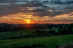 Atardecer en el campo (ccc.39) Tags: asturias gozón avilés prados paisaje campo naturaleza puestadesol atardecer ocaso sunset cielo nubes sol