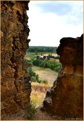 Desde las ruinas del castillo - Cea - León (Luisa Gila Merino) Tags: castillo arboleda ruinas pueblo airelibre provincialeón