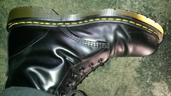 20161228_124648 (rugby#9) Tags: drmartens boots icon size 7 eyelets doc martens air wair airwair bouncing soles original hole lace docmartens dms cushion sole yellow stitching yellowstitching dr comfort cushioned wear feet dm 10hole black 1490 10 docs doctormartenboot indoor footwear shoe boot