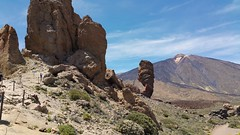 Teide National Park - Roque Cinchado and Teide (Linda DV) Tags: 2017 lindadevolder canaryislands canarias tenerife nature geotagged teide ribbet samsung galaxy smartphone note4