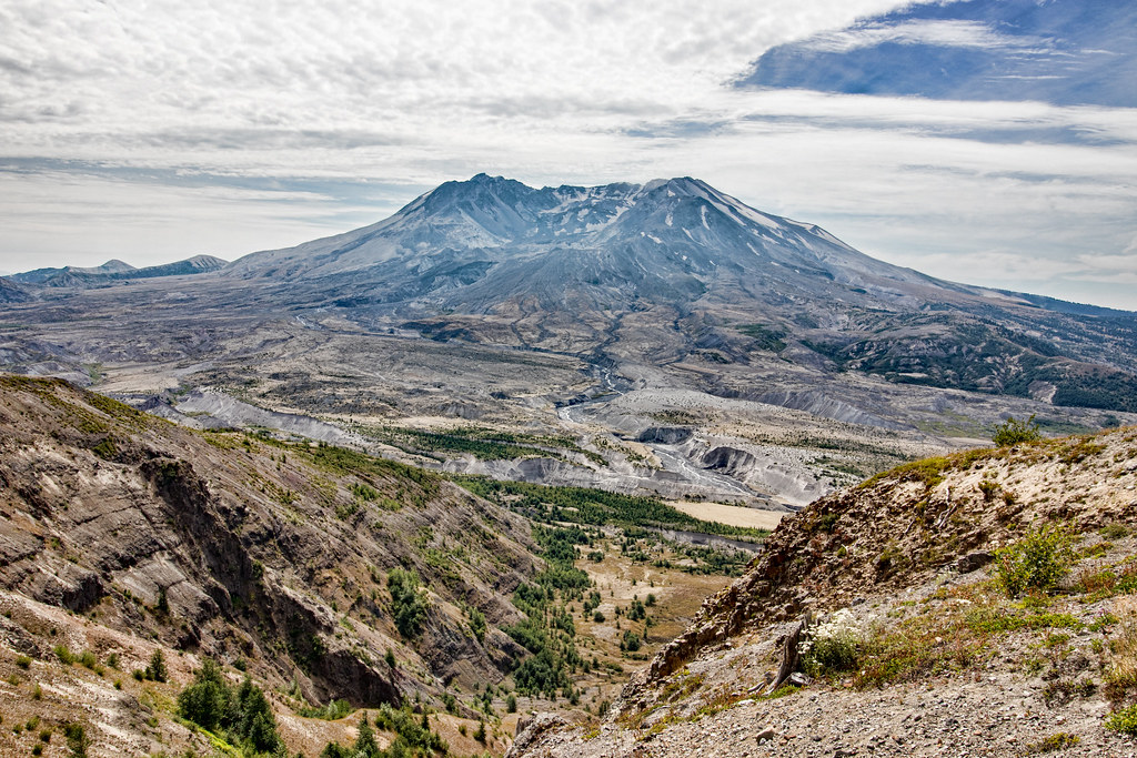 mt st helens research paper Science education exploration the mount st helens institute connects people of all ages to mount st helens and our natural world through educational programing.