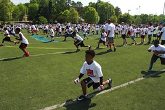 "thomas-davis-defending-dreams-foundation-0158 • <a style=""font-size:0.8em;"" href=""http://www.flickr.com/photos/158886553@N02/36348791804/"" target=""_blank"">View on Flickr</a>"