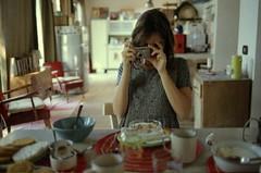 Gloria alla mattina apre gli occhi lentamente e li richiude subito (michele.cardano) Tags: her photo foto breakfast colazione holiday gloria lei zeiss ikon zm 35mm