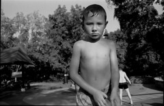 17-08 LastDaysOfSummer107-0 (dcjmgmt) Tags: pentaxes smctakumar2835 bw fujiacros acros vacation children washingtondc family film filmisnotdead filmphotography
