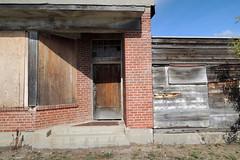 e peterson ghost town (Simon -n- Kathy) Tags: peterson saskatchewan sk ghosttown grainelevator ruraldecay prairie farm