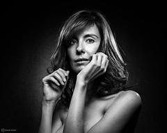 Elise02 (David Hulot) Tags: david hulot elise cocooning portrait noir et blanc