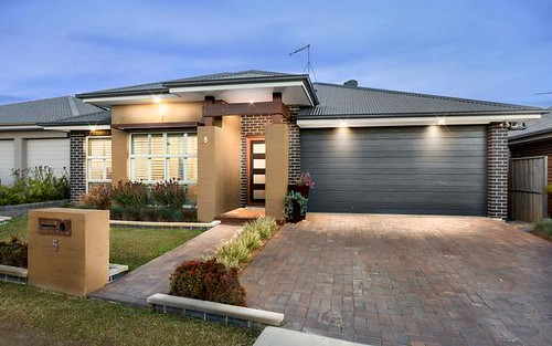 5 Brougham Cr, Bungarribee NSW 2767
