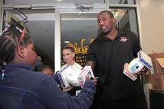 """thomas-davis-defending-dreams-foundation-thanksgiving-at-lolas-0218 • <a style=""""font-size:0.8em;"""" href=""""http://www.flickr.com/photos/158886553@N02/37013324102/"""" target=""""_blank"""">View on Flickr</a>"""