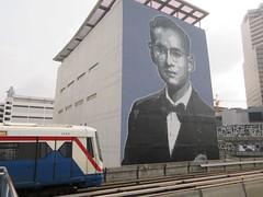 by Bon (tofz4u) Tags: streetart artderue graffiti bangkok krungthep thailand thailande skytrain bon muebon king ramaix bhumiboladulyadej
