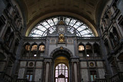 Antwerp train station (2) (Krzysztof D.) Tags: belgia belgium belgique belgië europa europe architecture architektura dworzec station stacja bahnhof antwerpen anvers