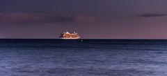 baie de Cannes (Samimages) Tags: baiedecannes cannes soir mer alpes maritimes bateaux croisiere