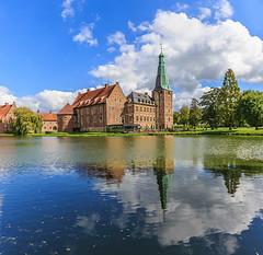 Tag des offenen Denkmals in Rasfeld (ulrichcziollek) Tags: münsterland rasfeld schloss spiegelung wolken see teich